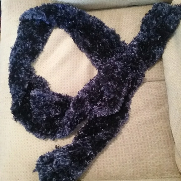 Fuzzy & Soft Navy blue scarf